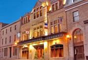 Restaurants Near Hotel Manoir Victoria